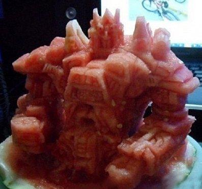 哇靠~好厲害喔! 西瓜是要馬上吃的...用蘿蔔嘛....玩完可以拿去放湯=.=+