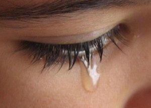 眼淚,只留給愛你珍惜你的人