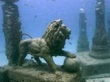 探秘11大海底墳墓:3.5米巨人遺骸驚現水底