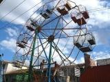 這個遊樂場雖然簡單, 但能帶給很多人的歡樂 :)