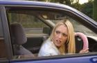 開車技術大PK 女性因胸前偉大不如男性?