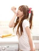 超可愛小美女廚房極度誘惑照片