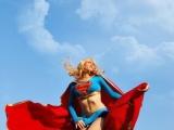 女超人現身了