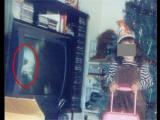 電視鬼與小女孩