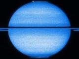 研究:土星衛星地表下可能有海