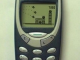 是誰說要智能手機才能玩憤怒鳥的 我的Nokia也一樣能..