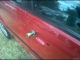 今天請鎖匠改了車鎖,以後可以放心睡了~~