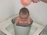 太熱了,泡個淋浴冷水澡