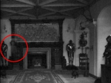 在一間中世紀的房子內出現女性的鬼魂