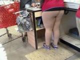 買褲子呢,最好?買肉色的