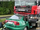 大車與小車對撞.爆頭