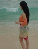 張馨予的沙灘濕身照