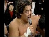 摔角選手背後的怪臉