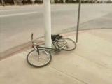沒法偷的自行車!其實我更好奇你是怎麼弄進去的!