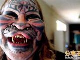 一男子25年來整容千次只想變成老虎