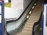 真是夠強啊!電扶梯也有山寨版的!