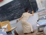 老師,您上課時能不能別這樣。姿勢真銷魂
