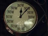 你到下班時間了嗎?看一下這個最準的鐘吧~~到鐘了,下班走人阿~