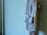 機械陶瓷娃娃身穿時尚復古服飾 面容表情不寒而慄!