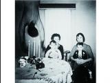 尋常家族照片中的不尋常