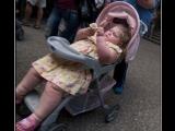 她真的不是胖,她是為了不被綁架而已,大家不要誤會她。