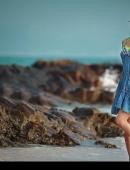 清純美女模特海岸迷人風情寫真