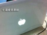 剛買了台蘋果電腦,看來看去怎覺得好像被騙了?><