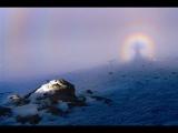 攝影愛好者拍下「靈異」照片 彩虹中間現詭異身影