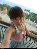 海灘的卡哇伊比基尼少女