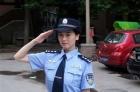 女警在幼稚園上安全教育