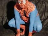 蜘蛛俠變老之後,肚肚的肥肉都跑出來了