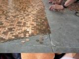 用硬幣做地板