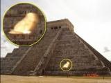 金字塔有怪東西