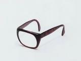 我想到了一個很有深度的問題:在眼鏡被發明之前,眼镜蛇叫什麼呢~~~