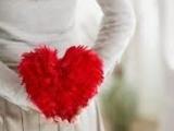 愛一個人不應該在乎別人的眼光...
