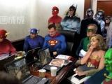 為了消滅賓拉登,美國人幾乎召集了所有的超級英雄來對付他。.....你說至於嗎?