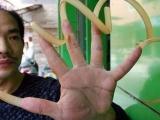 哇!!!!好長的指甲